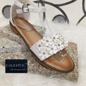 zapatos para mujer online. Sandalia plana